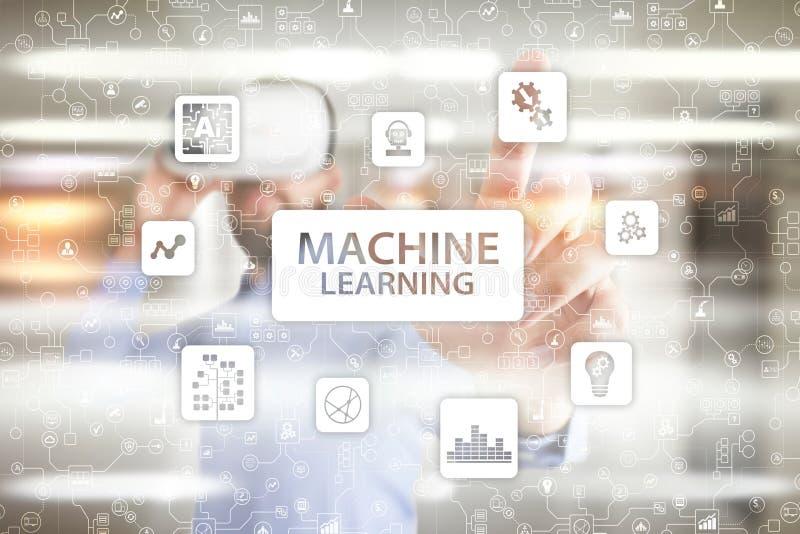 Machine het leren Tekst en pictogrammen op het virtuele scherm Zaken, Internet en technologieconcept royalty-vrije stock foto's