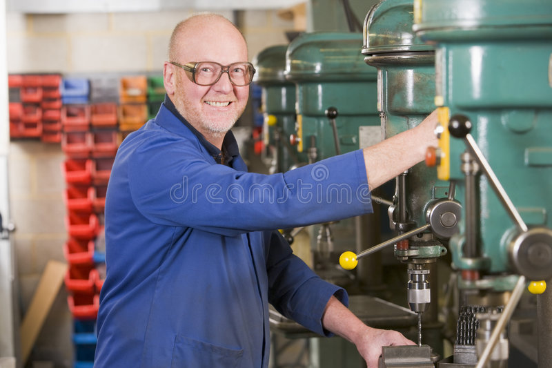 machine machinist working στοκ φωτογραφία με δικαίωμα ελεύθερης χρήσης