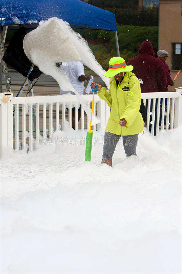 Download Machine Pours Out Bubbles And Foam At Race Finish Line Editorial Stock Image - Image: 33297329