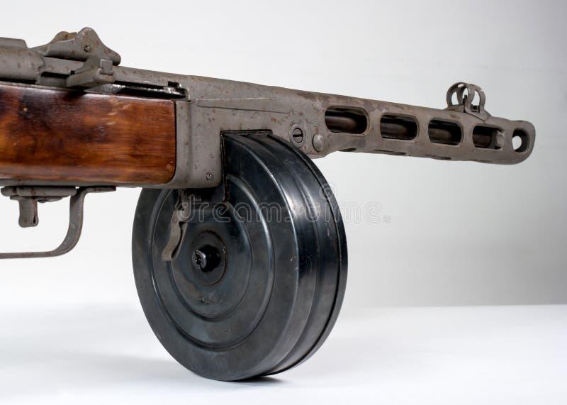 Machinepistool ppsh-41 op een lichte achtergrond royalty-vrije stock foto's