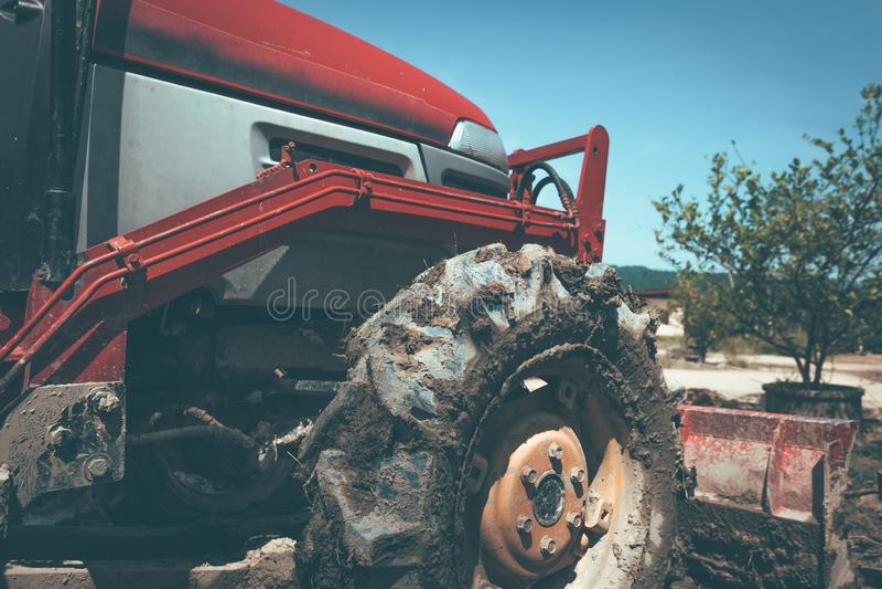 Machines agricoles Éléments et parties d'agro-technologie Un plan rapproché du tracteur images libres de droits