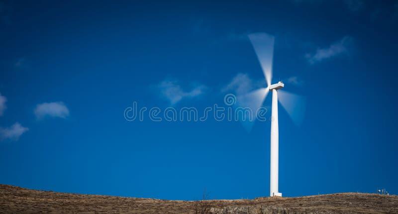 Macht die Windmolen produceren royalty-vrije stock afbeelding
