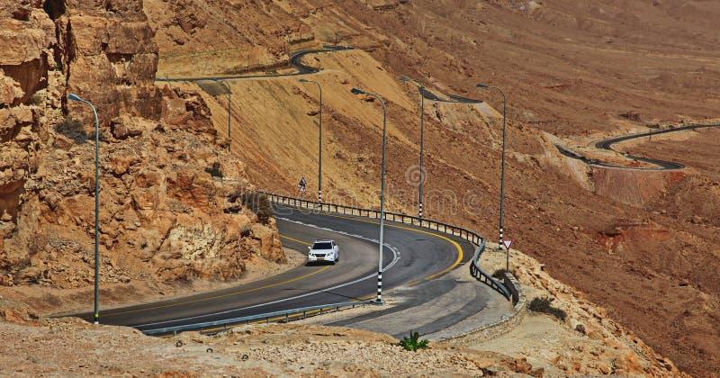 Machtesh Рэймон - кратер размывания в пустыне Негев, самом живописном естественном ориентире Израиля стоковое изображение rf