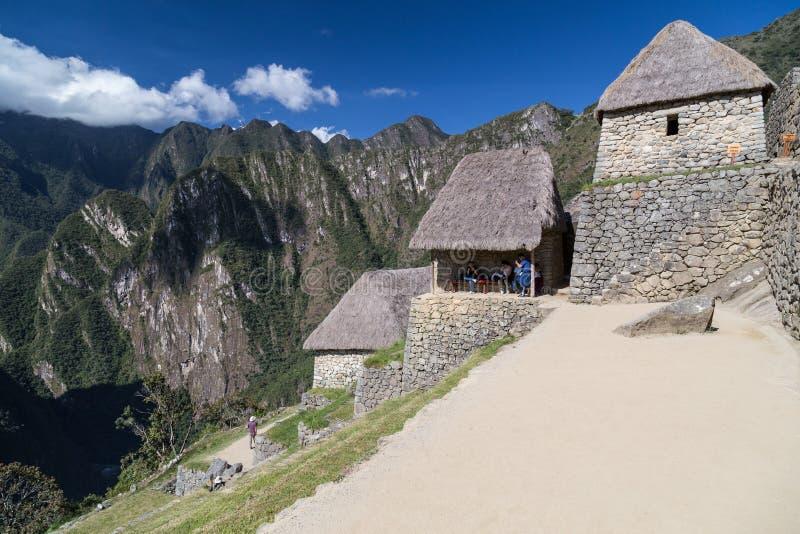 Machu Picchu, Aguas Calientes/Peru - circa im Juni 2015: Ruinen heiliger verlorener Stadt Machu Picchu der Inkas in Peru stockbilder