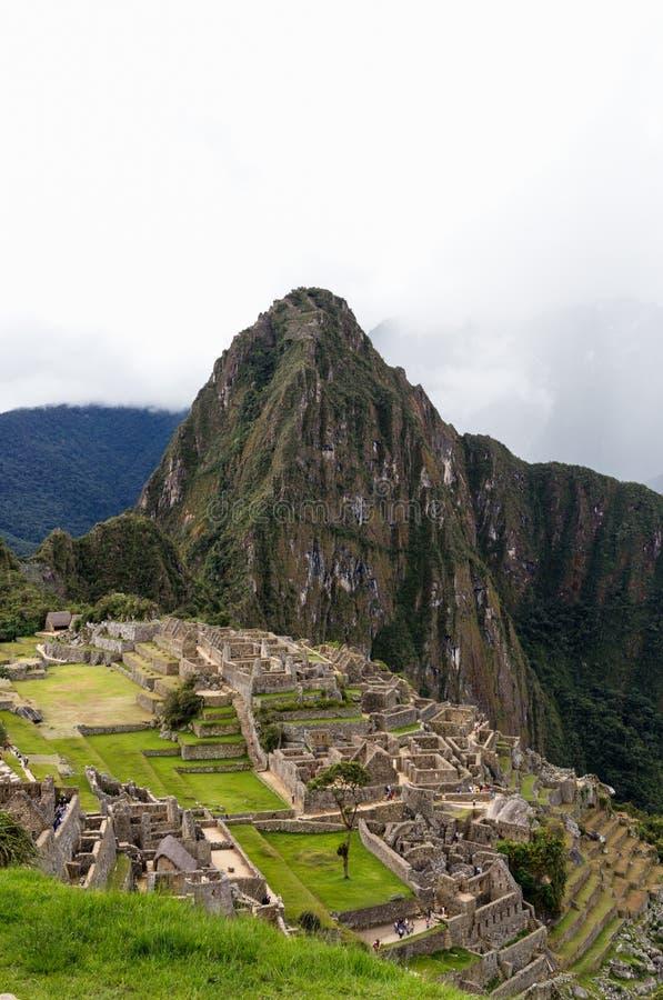 Machu Picchu avec la tempête sur l'horizon images stock