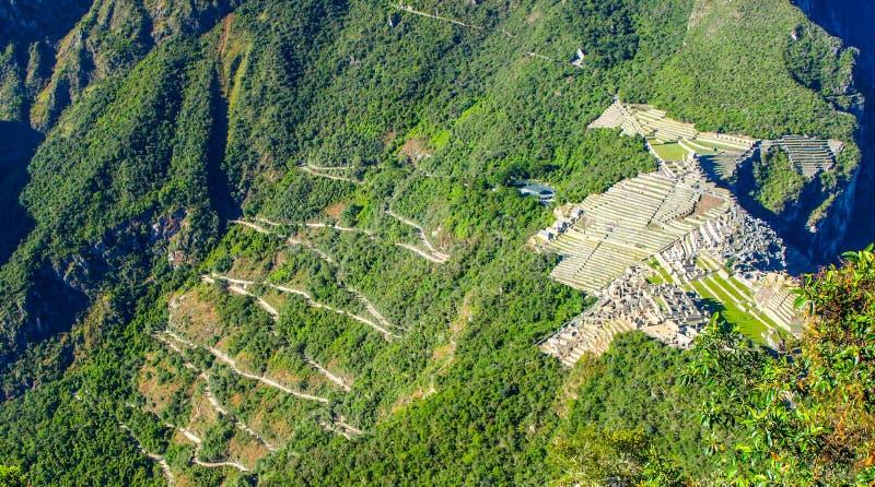 Machu Picchu - cidade Incan antiga Vista de Huyana Picchu, Peru fotografia de stock