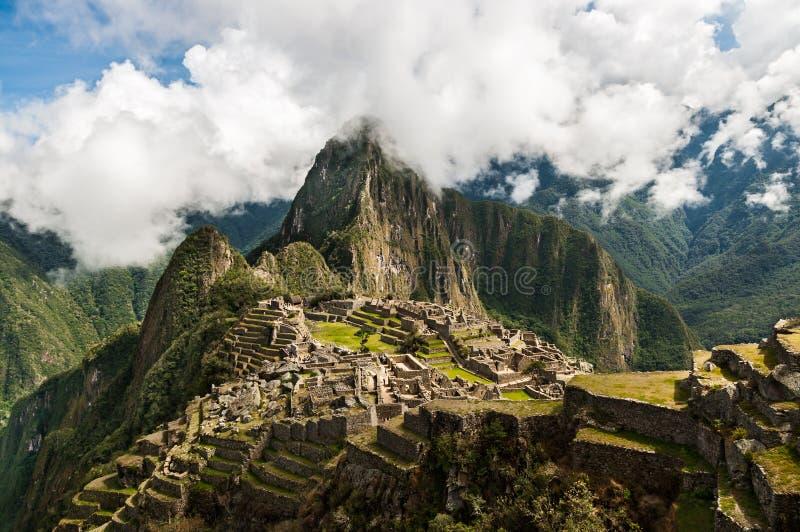 Machu Picchu Città persa di Inkas in montagne del Perù fotografia stock libera da diritti