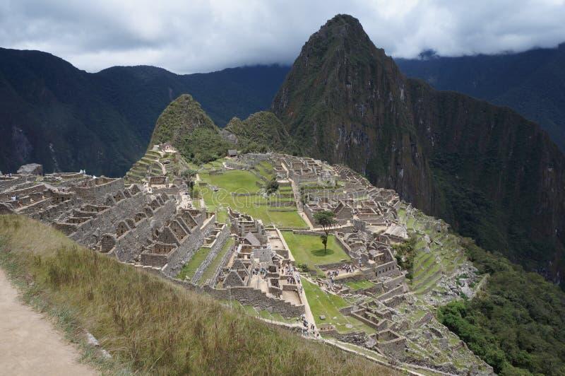 Machu Picchu com Huayana Picchu em Cusco, Peru imagem de stock
