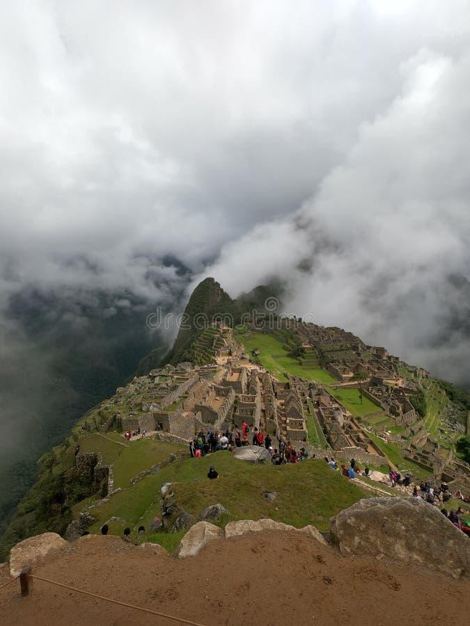 Machu Picchu nelle nuvole immagine stock libera da diritti