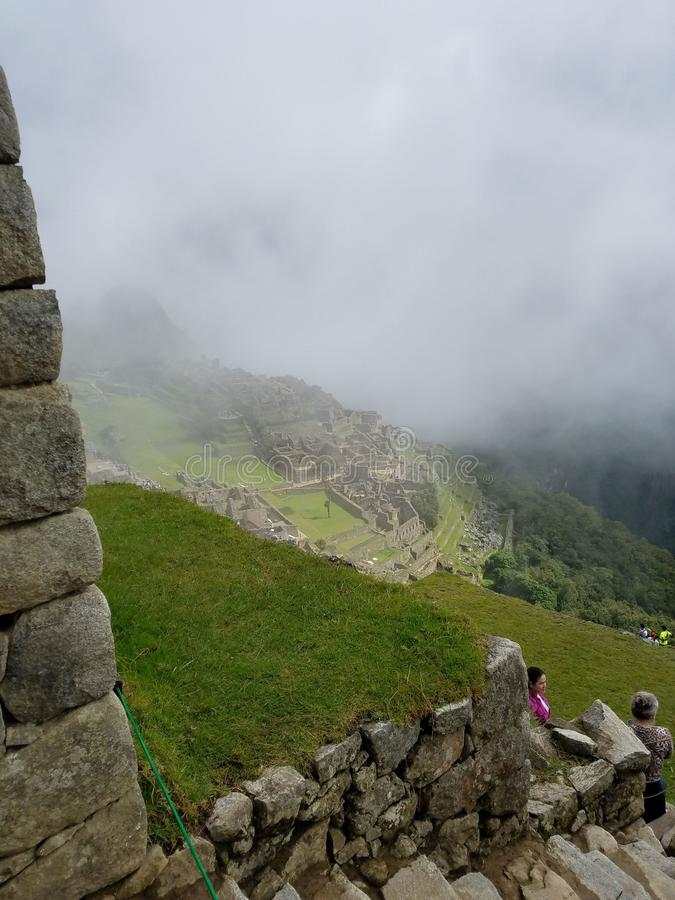 Machu Picchu nelle nuvole immagini stock libere da diritti