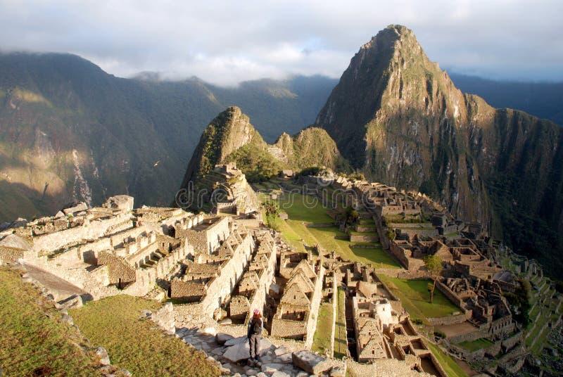 Machu Picchu no nascer do sol foto de stock