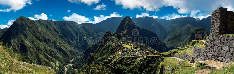 Machu Picchu Pérou - vue panoramique sur une montagne photos libres de droits