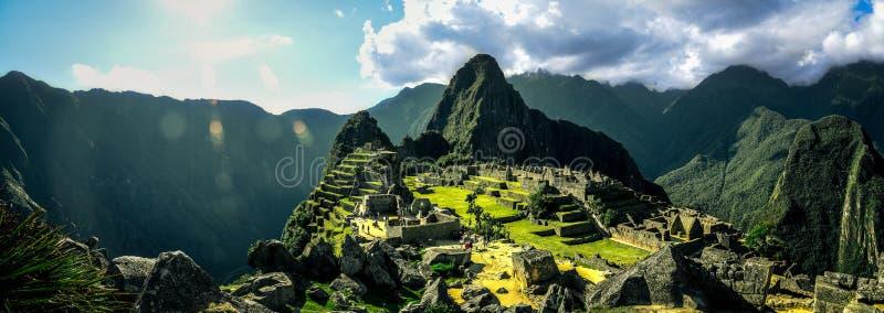Machu Picchu Pérou - vue panoramique sur une montagne photographie stock libre de droits