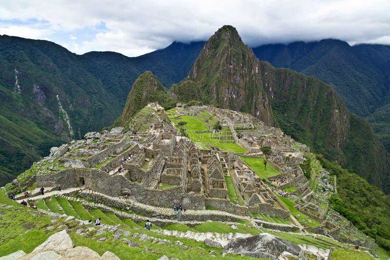 Machu Picchu, Perú: Complejo total de la descripción fotos de archivo