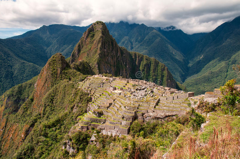 Machu Picchu une vue finie photos stock