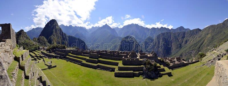 Machu Pichu con Huayna Picchu nel Perù immagine stock libera da diritti