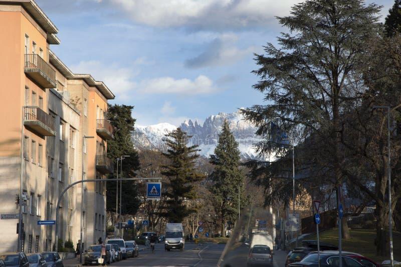 Maciço de Sciliar, cume de Siusi, acima de Bolzano imagens de stock