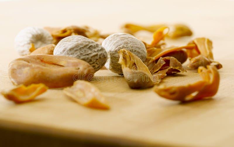 Macis et noix de muscade photographie stock libre de for Noix de muscade cuisine