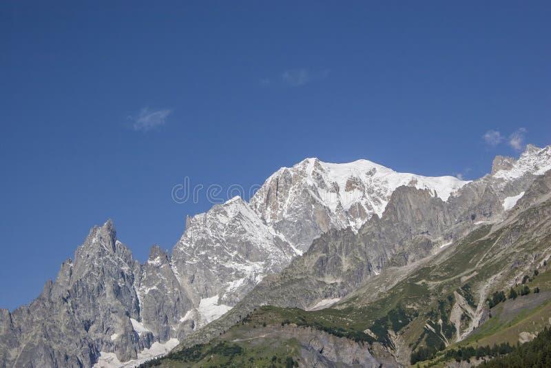 Macizo de Mont Blanc - el tejado de Europa imagen de archivo libre de regalías