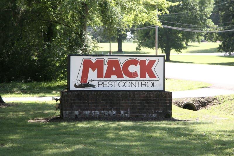 Mack Pest Control lizenzfreie stockbilder