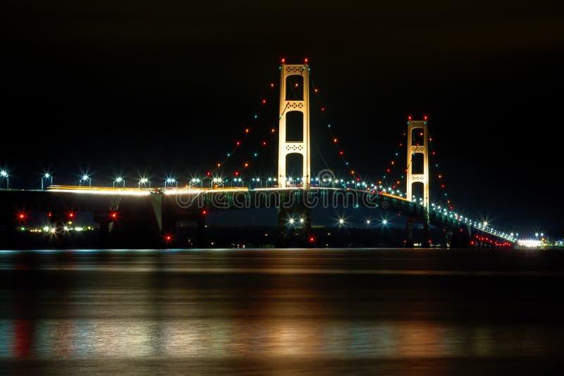 Mackinacbrug bij Nacht in Michigan royalty-vrije stock afbeelding