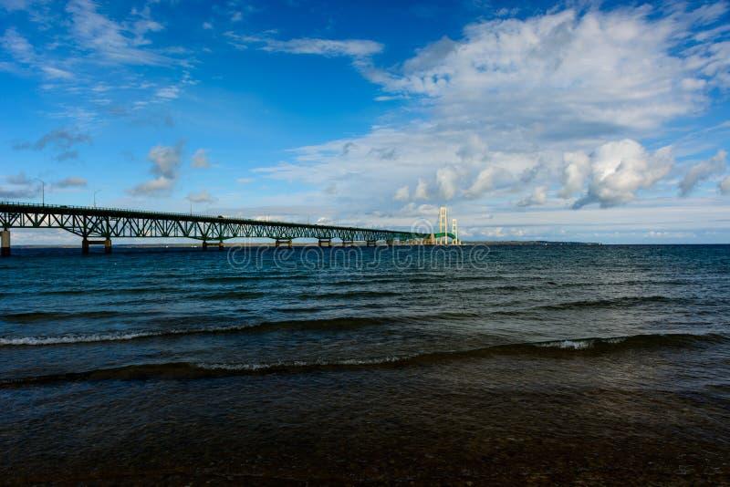 Mackinacbrug in Hoger Schiereiland van Michigan royalty-vrije stock foto's