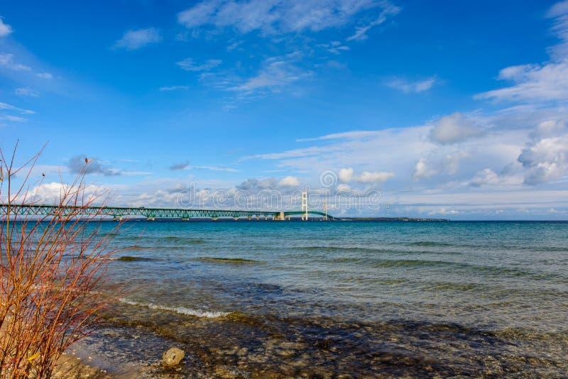 Mackinacbrug in Hoger Schiereiland van Michigan royalty-vrije stock afbeelding