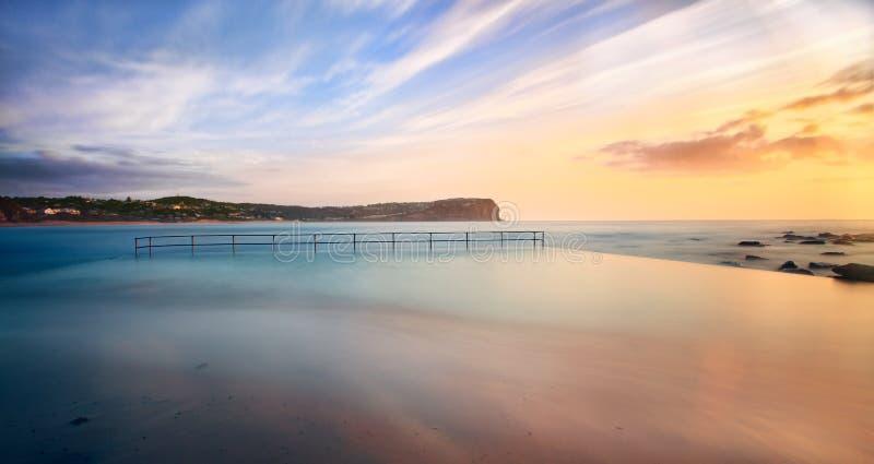 Macmasters strandpöl på högvatten royaltyfri bild