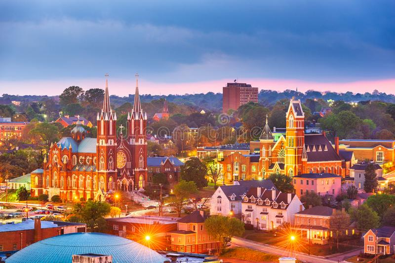 Macon, Geórgia, EUA, linha histórica do centro da cidade em crepúsculo imagem de stock royalty free