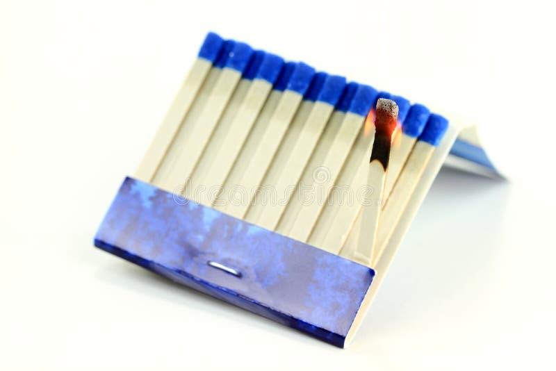 Macro ardiente del palillo del papel del Matchbook. imágenes de archivo libres de regalías