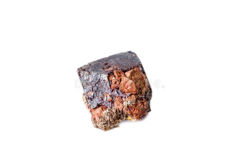 Macro cuprite minéral sur le fond blanc photographie stock