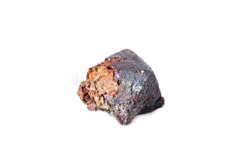 Macro cuprite minéral sur le fond blanc images stock