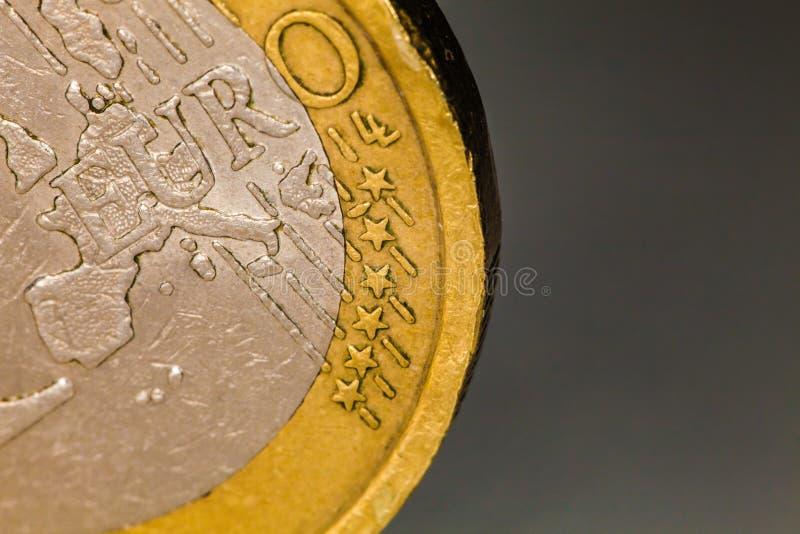 Macro da moeda do Euro, um euro fotografia de stock