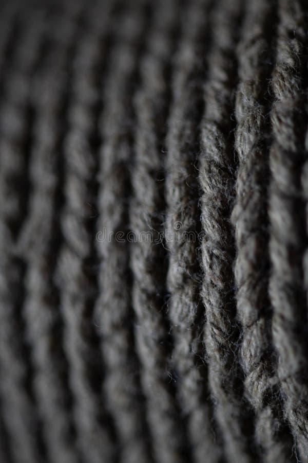Macro de fils tricotés gris image stock