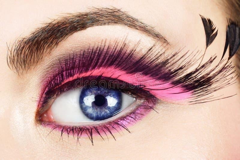 Macro do olho com pestanas falsificadas. imagens de stock royalty free