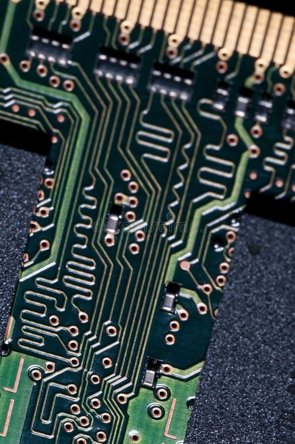 Macro do PWB da placa de circuito eletrônico no verde fotos de stock