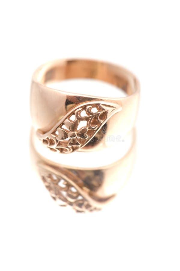 Macro dourado do anel imagens de stock