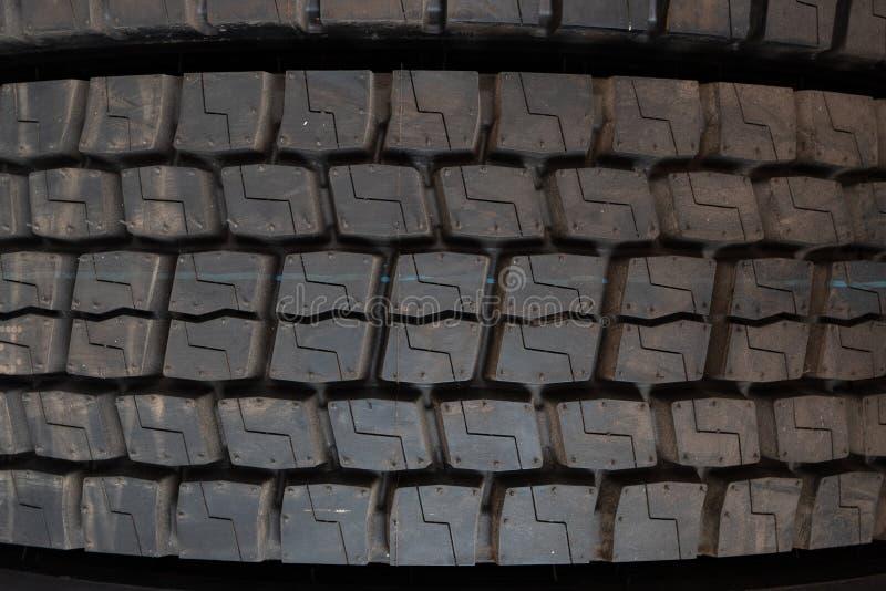 macro fine sul colpo del pneumatico del camion del camion immagini stock libere da diritti