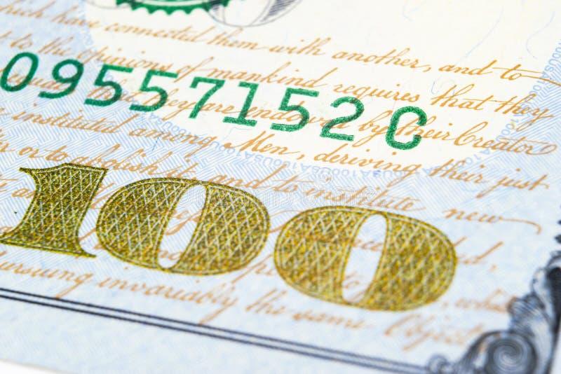 Macro geschoten beeld van de hoek van de bankbiljetten van een 100 dollarsrekening Concept financieel succes Achtergrond van 100  royalty-vrije stock fotografie