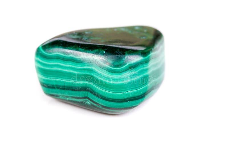 Macro malachite di pietra minerale su fondo bianco immagine stock