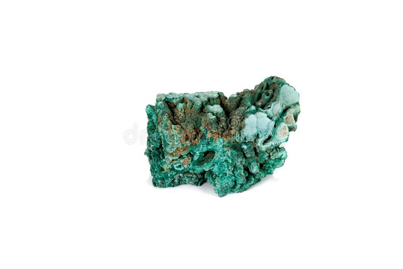 Macro malachite en pierre minérale sur le fond blanc images stock