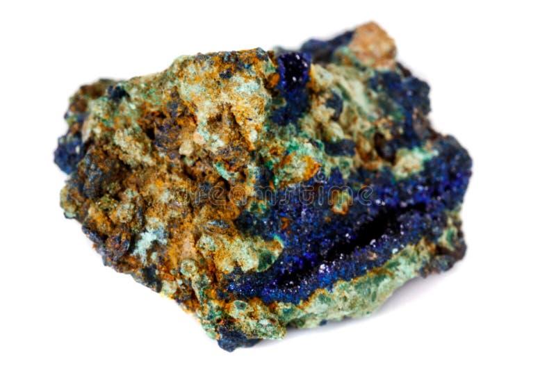 Macro malachite et azurite en pierre minérales sur le fond blanc image libre de droits