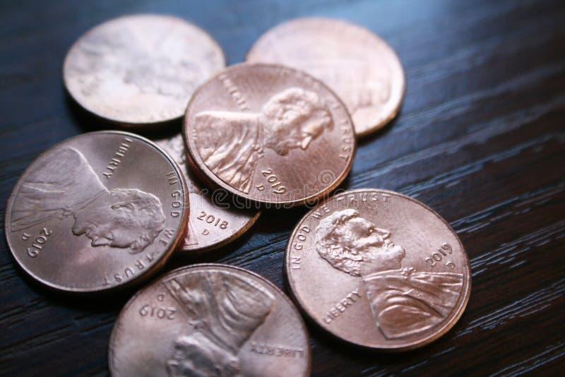 A Macro Pennies fecha 2019 de alta qualidade fotografia de stock royalty free