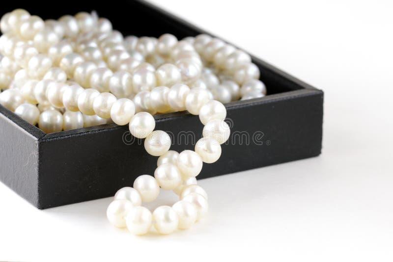 Macro perles dans le cadre de cadeau image libre de droits