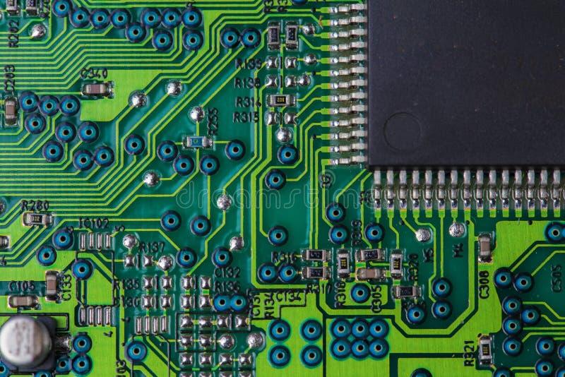 Macro photo de la carte électronique de vert - carte PCB image stock