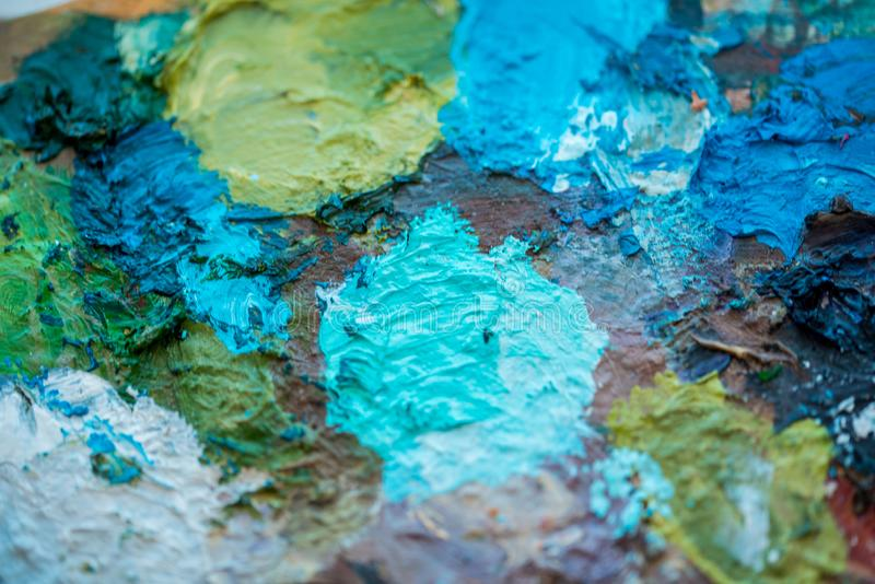 Macro próximo acima da pintura de óleo diferente da cor acrílico colorido Conceito da arte moderna fotografia de stock royalty free