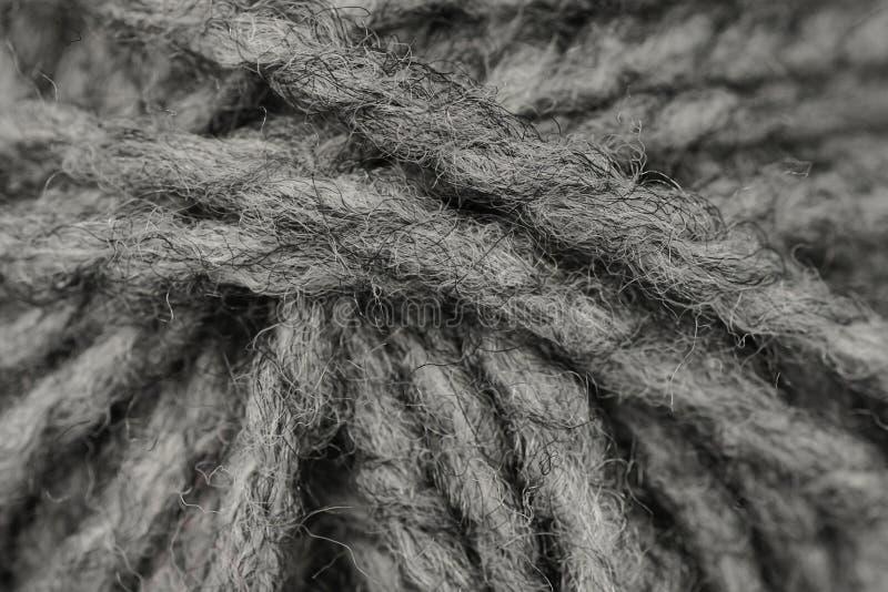 Macro schot van bal van grijs wol of garen royalty-vrije stock foto