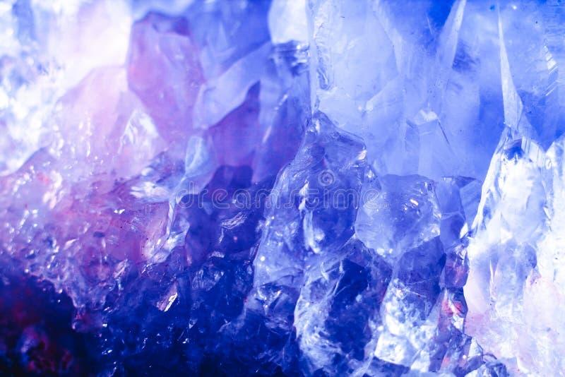 Macro superficie di pietra di cristallo del minerale fotografia stock libera da diritti