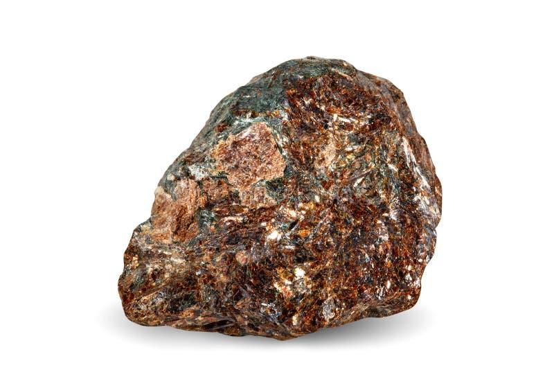 Macro tir de pierre gemme naturelle Astrophyllite en pierre Khibiny Objet sur un fond blanc photos stock
