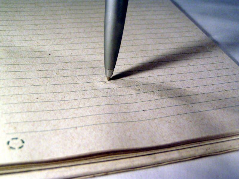 Download Macro Van Een Pen Op Papier Stock Foto - Afbeelding bestaande uit notitieboekje, document: 34450